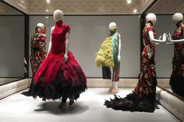 alexander-mcqueen-savage-beauty-v&a-sputnik-design-london